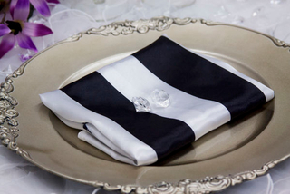 20x20 Stripe Satin Napkin table